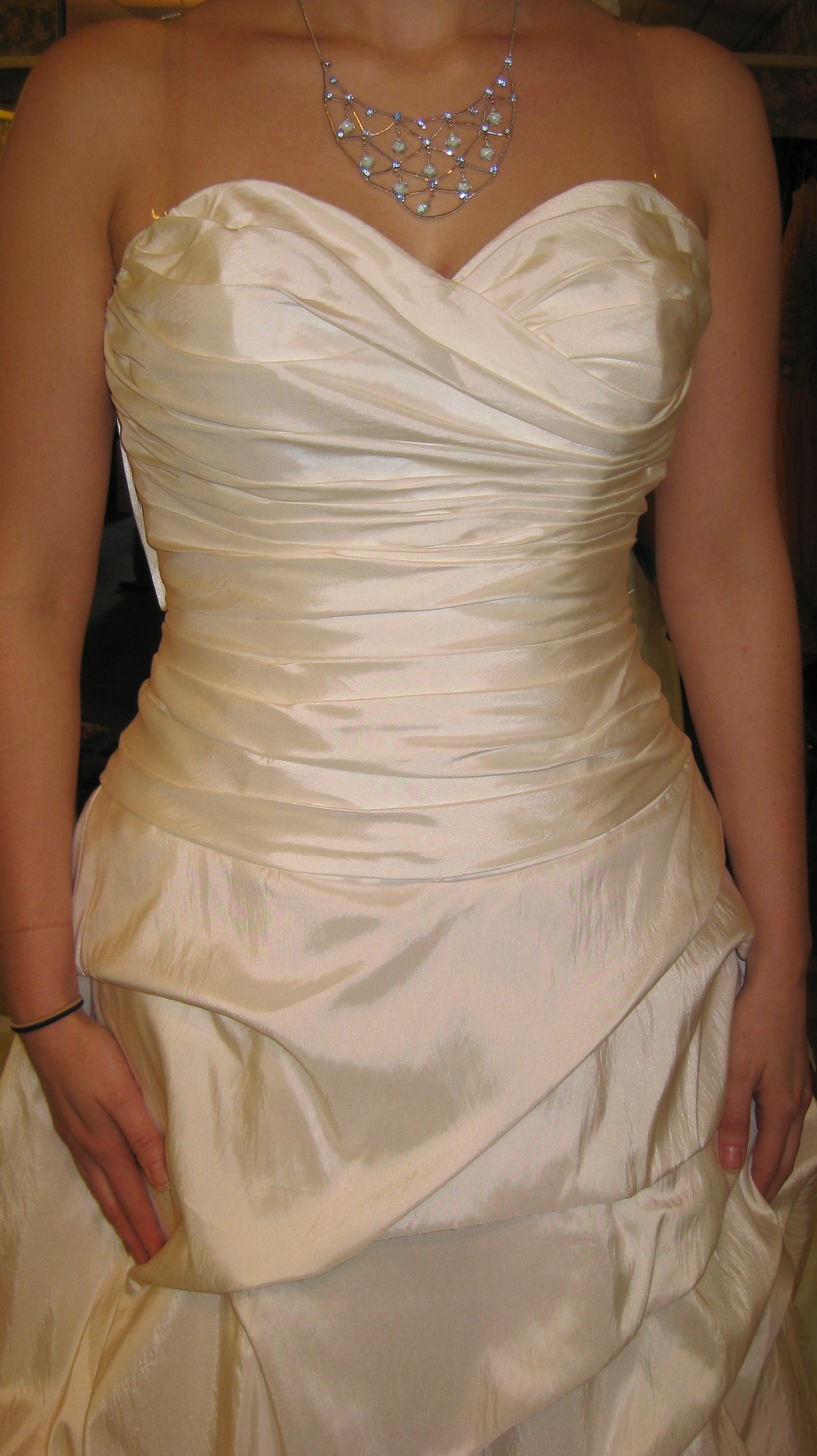 the dress 005